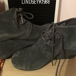 TOMS Wedges size 8 (US) in women's.